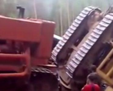Tentativa De Reboque De Bulldozer... Parcialmente Falhada 7