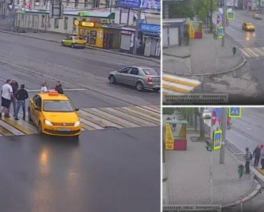 Na Rússia Um Simples Atravessar a Estrada Pode Dar Origem a Uma Verdadeira Batalha Campal 6