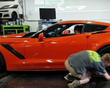 Limpeza à Roda De Um Corvette ZR1 Quase Acaba Mal Para Funcionário 11