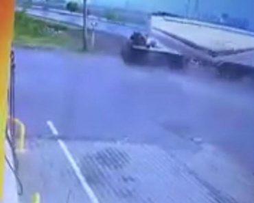 Camionista Faz Entrada Radical Em Posto De Combustível 3