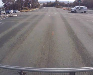 Condutor Tenta Fazer Drifting e Piões Na Altura Errada 5