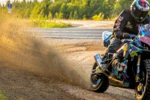 Pegou Numa Suzuki GSX-R e Foi Para o Monte... o Resultado é Brutal!! 8