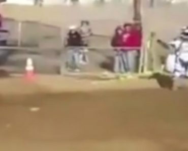 Piloto Não Percebe Como Perdeu a Sua Moto Durante Corrida 7