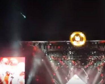 Meteorito Cruza o Céu Durante Concerto Dos Foo Fighters 3