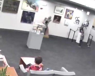Menino De 5 Anos Derruba Estátua e Obriga Família a Pagar 114 Mil Euros 3