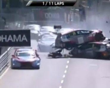 Acidente Em Vila Real No WTCR Provocou Ferimentos Em Quatro Pilotos 3