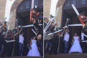 Em Vez De Arroz, Convidados Usam Motosserras Durante a Saída Dos Noivos Da Igreja 9
