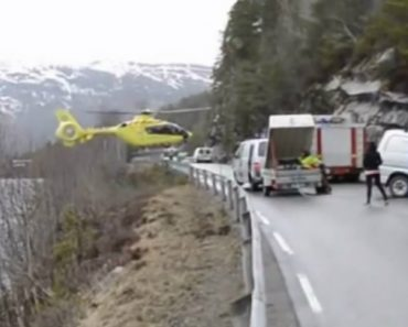 Piloto Sem Espaço Para Aterrar Equilibra Helicóptero Em Cima De Separador Da Estrada 6
