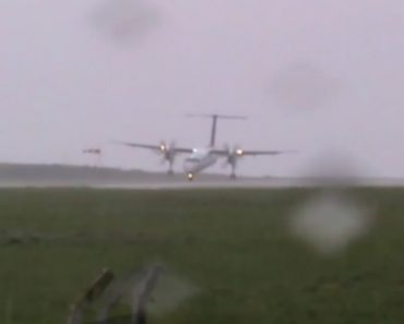 Aterragem Assustadora No Aeroporto Das Flores Nos Açores 4