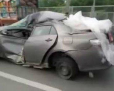 Carros Como Este Não Se Veem Todos Os Dias Na Estrada! 1