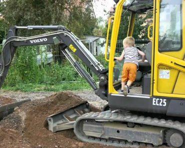Criança de 3 Anos Consegue Operar Escavadora Sozinho 9