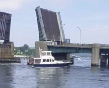Barco Fica Desfeito Após Passar Pelo Lado Errado Da Ponte 2
