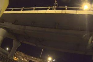 Motociclista Consegue Evitar Tentativa De Suicídio Ao Convencer Homem a Não Saltar De Ponte 10