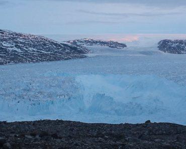 Cientistas Captam Momento Em Que Iceberg Gigante Se Desfaz Na Gronelândia 1