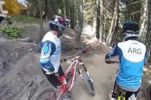 Curva Surpresa Em Pista De Downhill Cria Situação Caricata 9