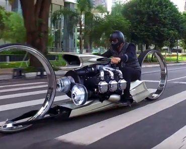 Veja Esta Moto Com Um Motor De Avião e Rodas Sem Eixo Em Ação 1
