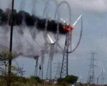 Turbina Eólica Cria Invulgar Efeito De Vórtice Com o Fumo Enquanto é Consumida Pelas Chamas 5