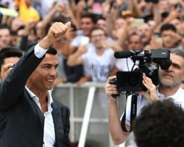 Cristiano Ronaldo Leva Adeptos à Loucura à Chegada Ao Estádio Da Juventus 1