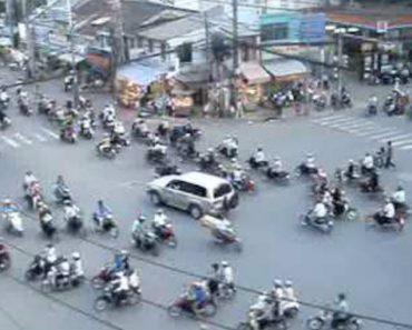 Sabe Como é o Trânsito Em Hora De Ponta No Vietname? 7
