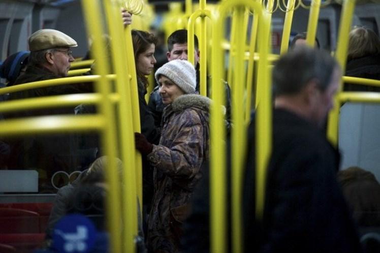 Metro De Viena Distribui Desodorizante Gratuito Aos Passageiros 3