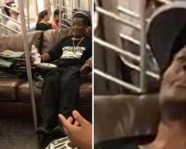Passageiro Usa Metro Como Transporte De Mudanças Para Levar Sofá De 2 Lugares 6