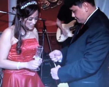 Como Não Abrir Uma Garrafa De Champanhe No Dia Do Seu Casamento 4