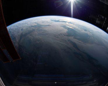 Vídeo Captado Por Astronauta Mostra Nascer Do Sol Visto Do Espaço 27
