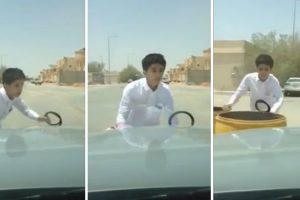 Exibicionismo Corre Mal Para Jovem Que Fica Trancado Do Lado De Fora De Carro Em Andamento 9