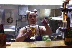 Como Beber Uma Caneca De Cerveja Em 1 Segundo 10