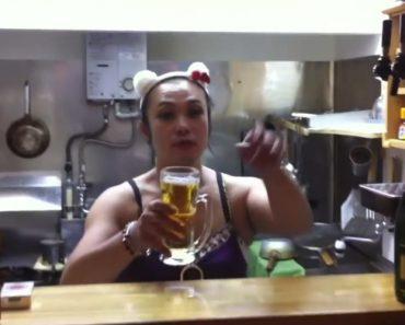 Como Beber Uma Caneca De Cerveja Em 1 Segundo 6