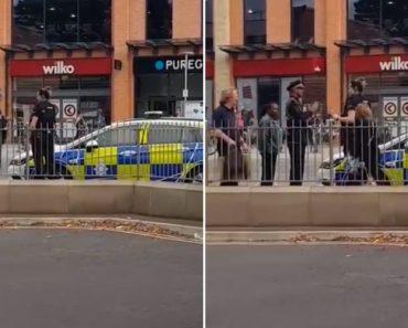 Quando Um Carro Da Polícia... é Multado Por Estacionamento Indevido 1