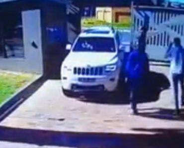 Condutora Não Se Deixa Intimidar Por Assaltantes Que a Tentaram Encurralar 4