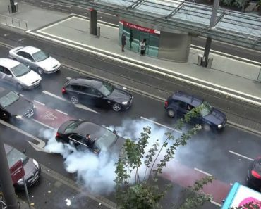 Turcos a Viverem Na Alemanha Param Trânsito e Disparam Vários Tiros Para o Ar Para Comemorar Casamento 1