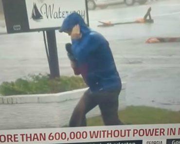 Jornalista Finge Estar Sob Uma Forte Tempestade Mas é Traído Pelas Imagens 1