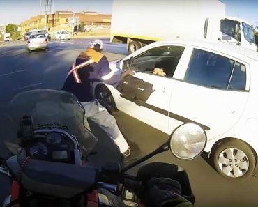 Pronta Reação De Motociclista Impede Assalto Na África Do Sul 2