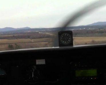 Piloto é Obrigado a Fazer Aterragem De Emergência No Meio Da Autoestrada Após Falha No Motor 4