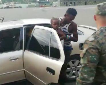 Polícia Manda Parar Carro e é Surpreendida Pela Quantidade De Pessoas Que Saem Do Veículo 7