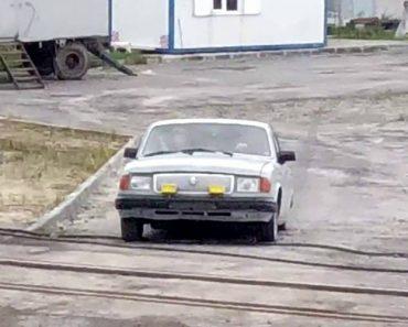 Russos Mostram Como Se Poupa Na Gasolina Para Ir Para o Trabalho 7
