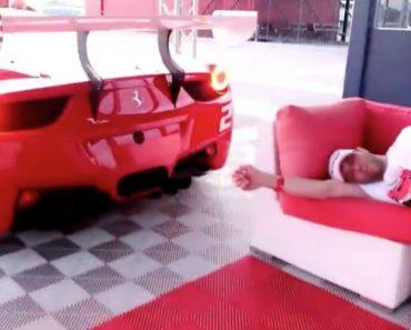 Como Será Acordar Ao Som De Um Potente Ferrari 458 GT? 6