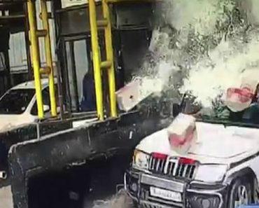 Jipe Toma Banho De Cerveja Após Camião Colidir Contra Outro Veículo Numa Portagem 8