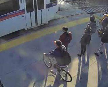 Rápida Reação De Homem Evita Tragédia Ao Impedir Cego De Atravessar Linha Férrea 2