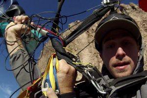 Paraquedistas Ficam Com Paraquedas Presos Um No Outro e Passam Por Momento Assustador 10