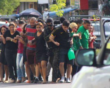 Assaltantes Usam Reféns Como Escudo Humano Para Tentarem Escapar à Polícia 3