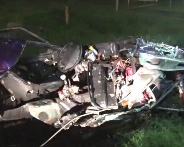 Mustang Fica Cortado Ao Meio Após Acidente Em Corrida Ilegal 3