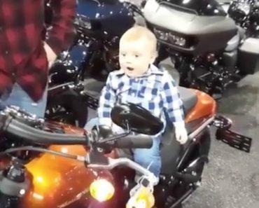 Pai Filma o Nascimento De Um Futuro Motociclista 10