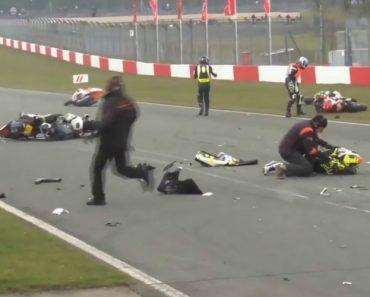 Início De Prova De Motociclismo Fica Marcado Com Brutal Acidente 9