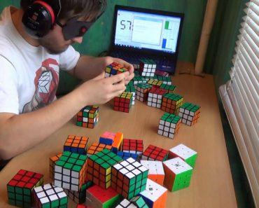 Jovem Resolve 50 Cubos De Rubik De Olhos Vendados Em Menos De Uma Hora 5