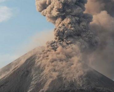 Filmagem Capta Momento Em Que Vulcão Entra Em Erupção Na Indonésia 2