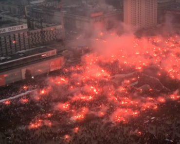 Imagens Impressionantes Da Celebração De 200 000 Polacos Pelos 100 Anos De Independência Do País 6