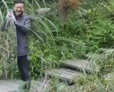 """Chefe Da Polícia Chinês Inventa """"Manto De Invisibilidade"""" e Quer Vendê-lo a Militares 4"""